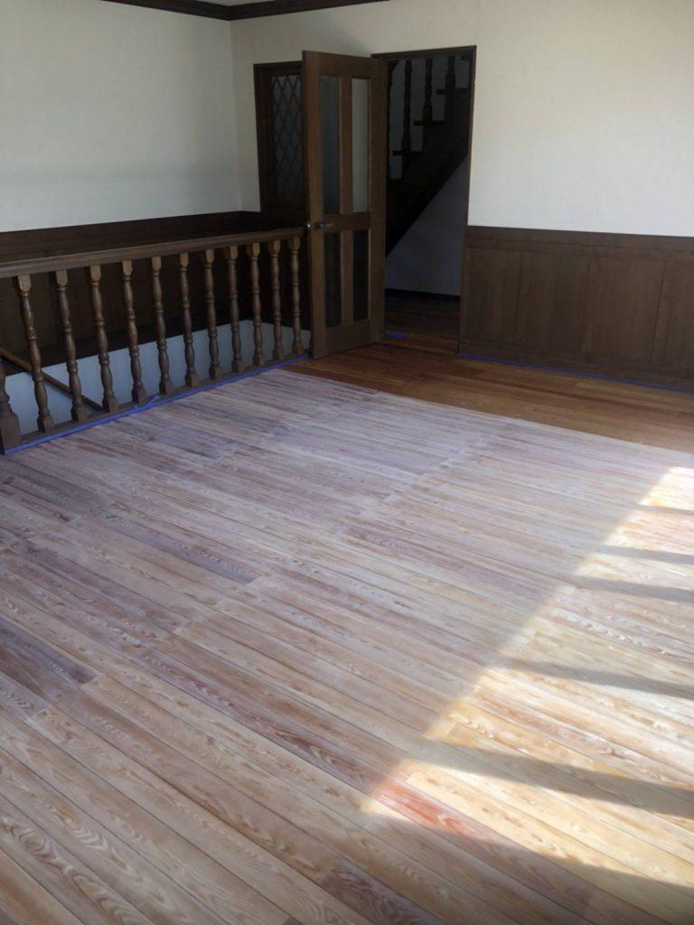 世田谷区 住宅 床面剥離 再塗装工事